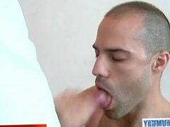 Hamid's huge cock massage ! (innoncent delivery guy for a gay guy)