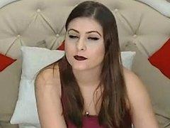 Described Video Le modèle de webcam Big Tits s'amuse bien