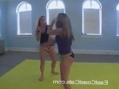 Tracy vs Alex (Catfight)