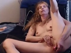 Mature does blowjob and fucks tight ass