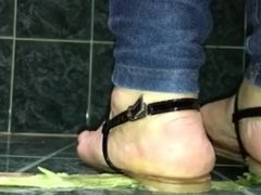 Crush Fetish - Asparagus crushed under flat sandals by friend
