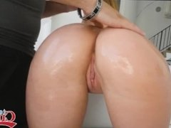 Teen Daisy Stone And Her Big Beautiful Ass Oiled Up Bouncing On A Huge Cock