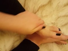Goddess Nancy's sexy feet with lotion