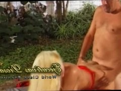Sexo anal al aire libre con una puta argenta -Tango Pasión de Buenos Aires