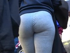 delicious spanish booty in yoga pants GLUTEUS DIVINUS
