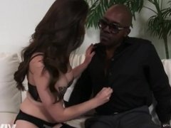 Young slut texts a big black cock to come over immediately