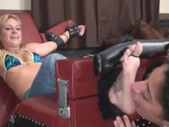 Tickle Abuse - Amber lickle tickle toetied