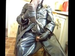Poppers, piss drinking and wanking in rubber and oilskins.