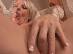 MILF needing dick uses thick toy to cum