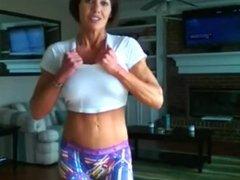 Milf super muscle flex