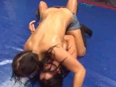 DWW Luisa vs Lara
