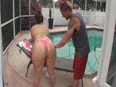 Katie Cummings fucks her new neighbor by the pool (MUST WATCH!)