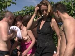 MATURE COUGERS HAVE INTERRACIAL ANAL GANGBANG