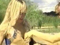 2 Girls in Mud