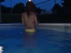 hottie des moines teen kay naked and masturbating in my apartments pool