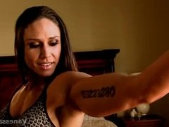 Vanessa Naesheim Grey Top Look at those biceps