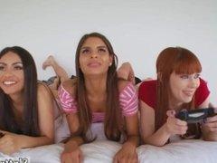 Michelle's sweet orgy anal xxx all women and teen home hd gamer girls
