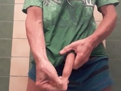 Piss in my undies in bath