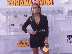 Jennifer Lopez - MTV Movie Awards (2015) side boobs