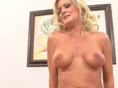 BLONDE COUGAR MEETS FOR DRINKS THEN GOES HOME FOR ROUGH SEX