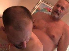 Big Dick Daddy Fucks Horny Bottom