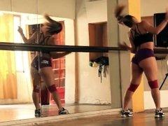 Latina twerk teacher sexy big ass shaking twerking lessons caught on spycam
