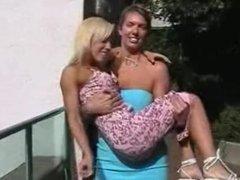 Mikayla Lift & Carry