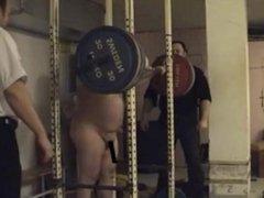 Chuby - pesa al desnudo