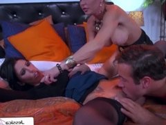 Watch Jessica Jaymes and Dava Foxx sucking and fucking a big dick
