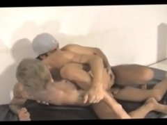 TWINK LOVES THIS MONSTER COCK IN HIS ASS