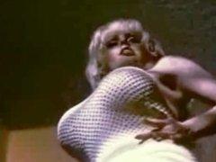 Ann Marie Ultavixen super curvy strip