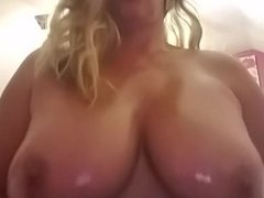 WHO LOVES BIG BOUNCING OILY TITTIES?