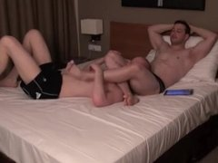 2H OF HEAD SCISSORS PART 1 - MUSCLE Wrestling ON THE BED (PART 2 SOON)