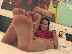 FeetJeans Robin's hot feet