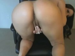 Busty babe having fun on the cam - Add her Snapchat MaryMeys
