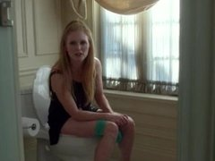 Famous Females on the Loo - A Celebrity Compilation HD