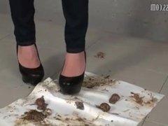 Sharp black high heels snail crush.