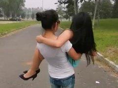f/f girl cradle lifting girl