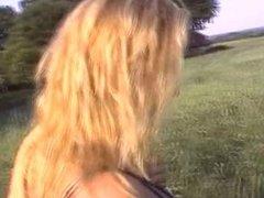 2005 outdoor german blonde chick fucked
