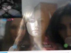 Reacciones de nenas al ver mi polla en la web cam. 14