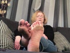 LICK MY DIRTY SOLES!