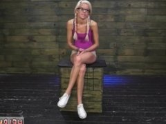 Punish teen anal slave Halle Von is in town