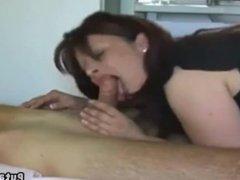 Tante putain francaise suce et baise jeune neveu