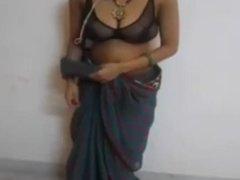 indian desi savita bhabhi sexy boobs