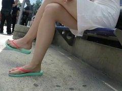 SEXY MILF LEGS CROSSED TOES AMATEUR VOYEUR CANDID 14