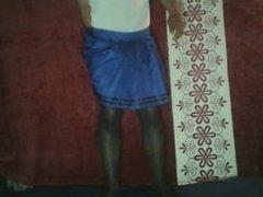 Falda azul,pantimedias y plug