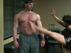 """5' 2"""" Martial Arts FBB Gives Various Kicks to 6'5"""" Male Bodybuilder"""