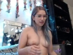 Hot babe have fun in live chat sexroom