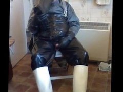 A very pleasant wank in rubber and oilskins.
