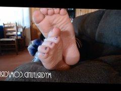 Fat Goth Catches You Staring at Her Bare Feet and Makes You Jerk Off